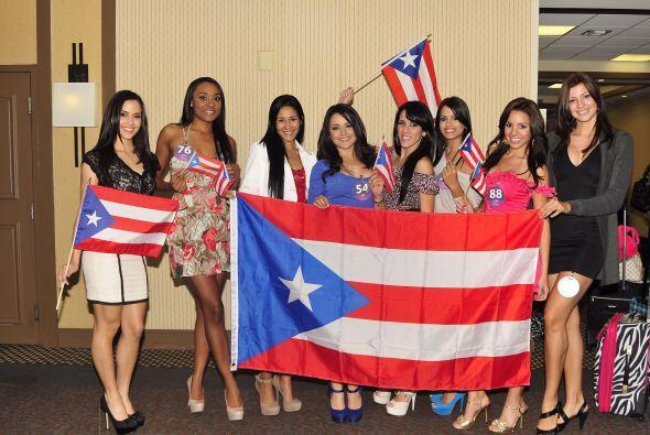 Así posó también la orgullosamente puertoriqueña, como en casa junto con...