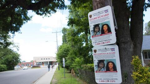 Un cartel de recompensa por Nisa Mickens y Kayla Cuevas. La secundaria d...