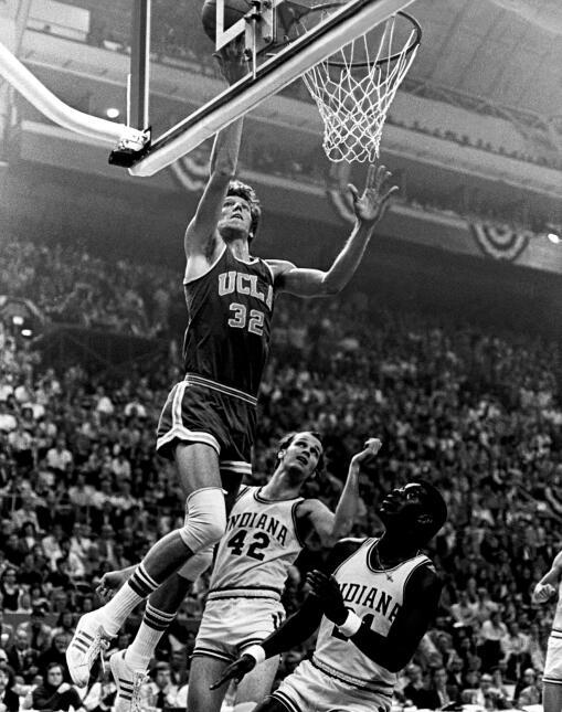 Consiguió el título nacional al derrotar a Florida State en 1972 y de nu...