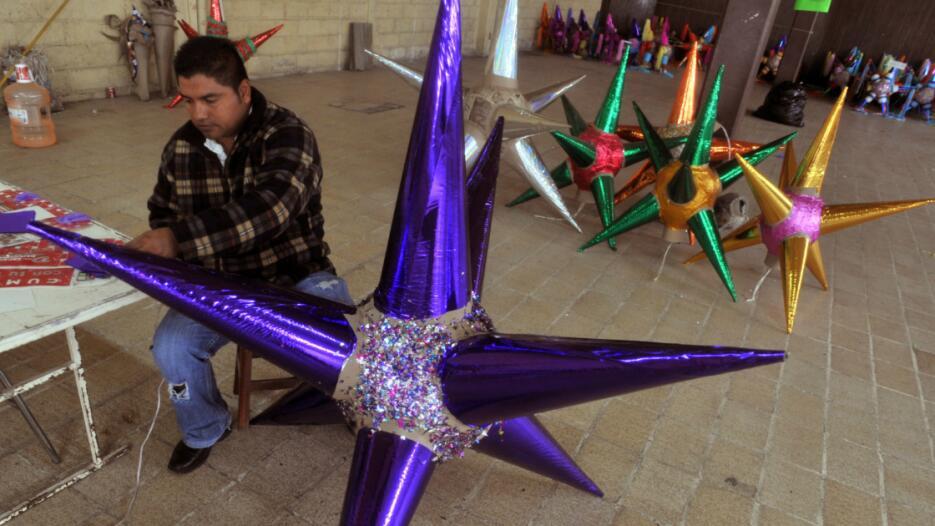 Piñatas, posadas navideñas, Galavisión