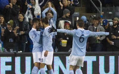 Sporting Kansas City celebra gol