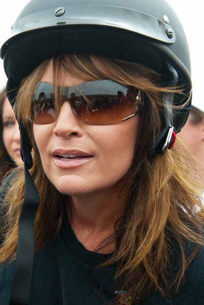 Palin vistió el atuendo típico de los motociclistas.