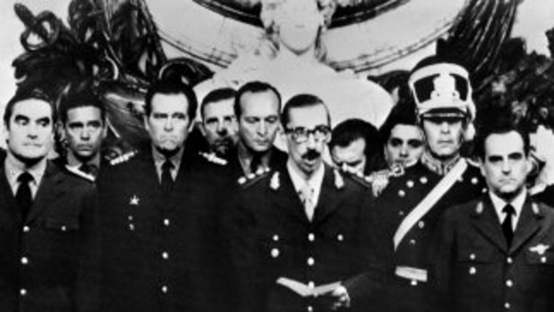 Durante la dictadura argentina murieron cientos de personas y se siguen...