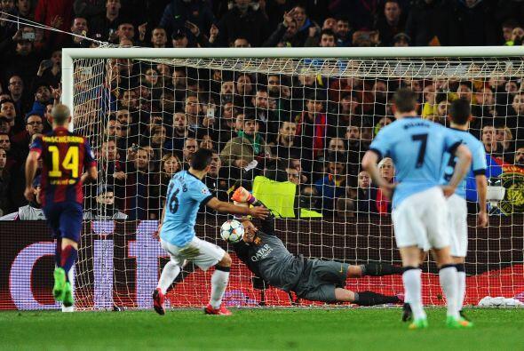 Para mala suerte de los ingleses el delantero argentino fallaría su disp...