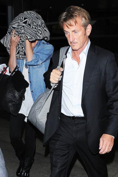 La novia de Sean Penn no quería ser fotografiada por la prensa.