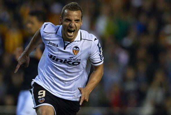 Parejo hizo el primer gol al minuto 25, dos minutos después Soldado hizo...