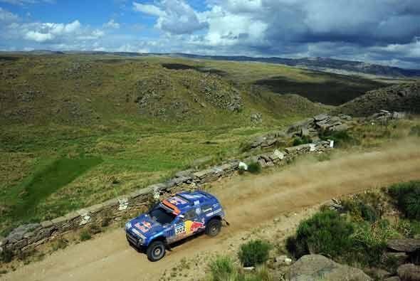 El rally Dakar por fin salió del desierto.