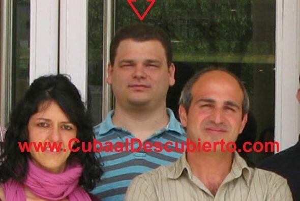 Jorge y Edna tienen cuatro hijos.  El mayor, con el nombre del padre y d...