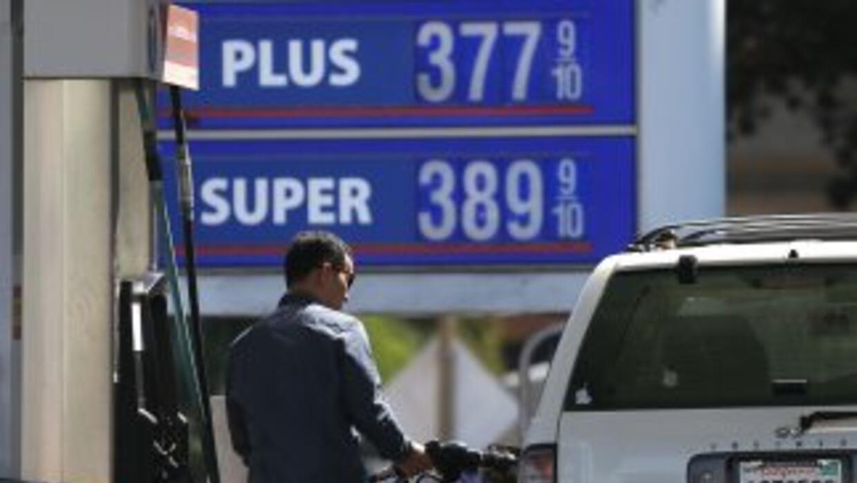 En California el precio se incrementó en unos 35 centavos de dólar en un...