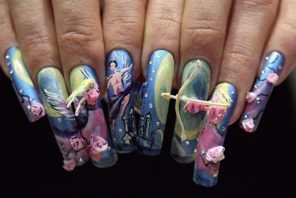 ¡No es truco ni dulce! Son uñas que parecen paletas pero nos dan miedo.