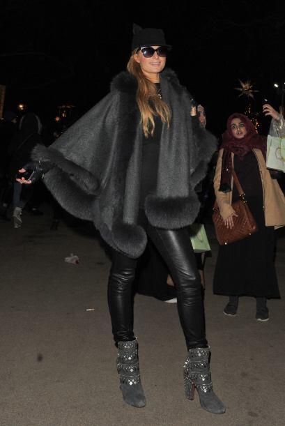 El frío navideño no fue obstáculo para Paris mostrará todo su estilo que...