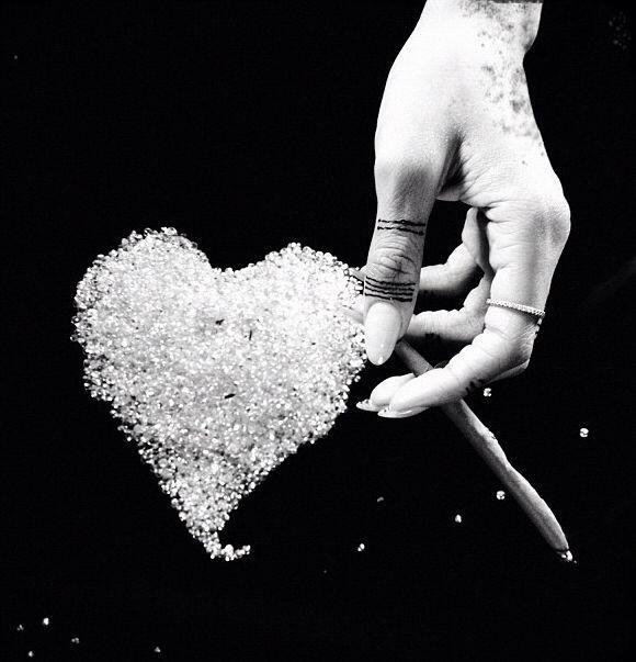 """""""Fumando diamantes""""-Rihanna."""