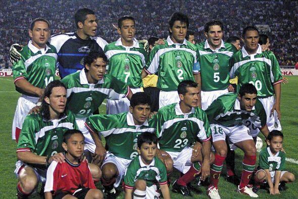 En el 2001 México volvería a tener un amistoso ante Chile en territorio...