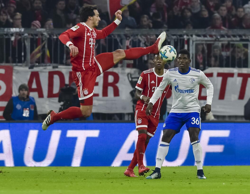 Bayern Munich venció a Schalke y camina al título de Bundesliga gettyima...
