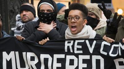 Miles exigen acción legal contra violencia policial