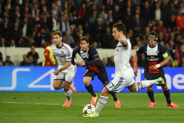 Al minuto 27, un penalti se marcó en favor de los ingleses y el cobrador...