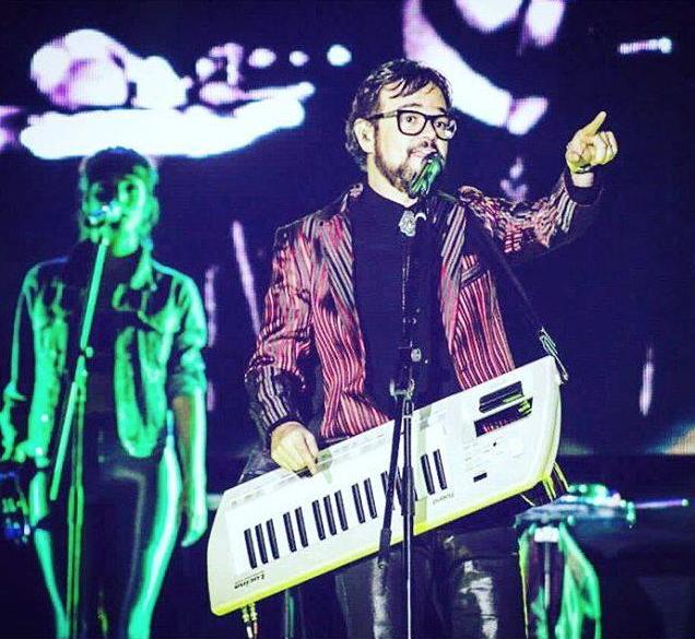 Como intérprete y cantante Aleks Syntek ha lanzado 9 álbumes, reconocido...