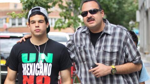 Pepe Aguilar y su familia de paseo por el barrio del Soho en Nueva York...