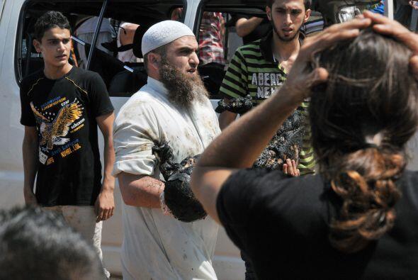 La segunda se produjo momentos después frente a la mezquita As Salam, qu...