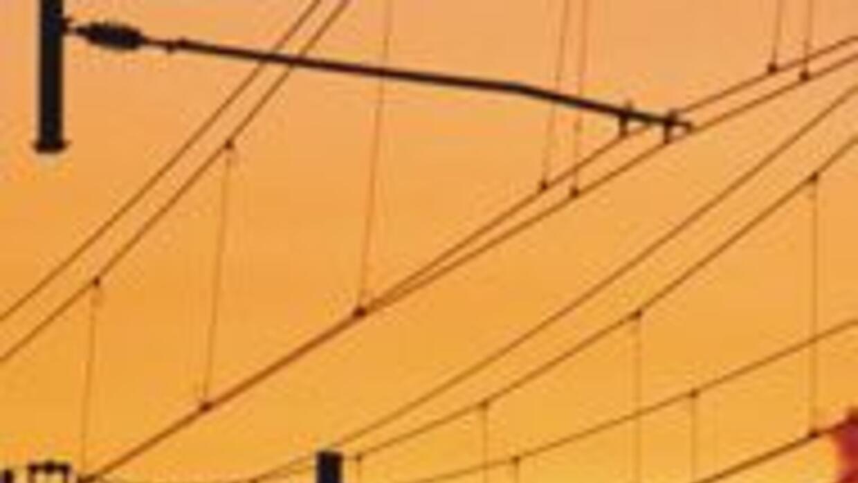 Comisionado de Arizona quiere dejar a Los Angeles sin electricidad por b...
