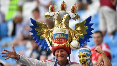 La fiesta en Samara se prendió con las aficiones de Rusia y Uruguay