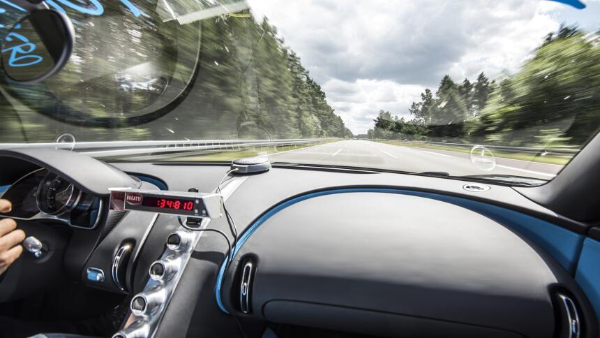 Juan Pablo Montoya bate record en el Bugatti Chiron