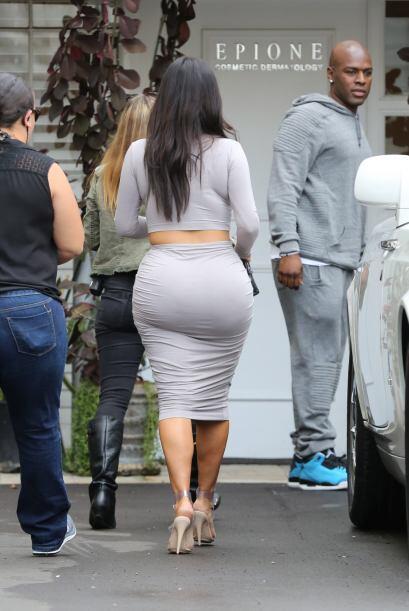 ¿Qué opinas de este atuendo taaan revelador de Kim?