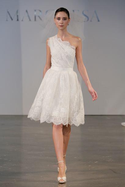 Eso si, en caso de optar por un vestido con manga corta o tirantes, no t...