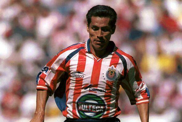 En el lejano Verano del 2000 las Chivas recibían al Puebla en un encuent...
