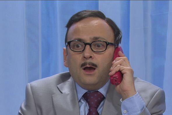 Sonó el teléfono rojo y el jefe avisaba que su amigo no celebraría ahí s...