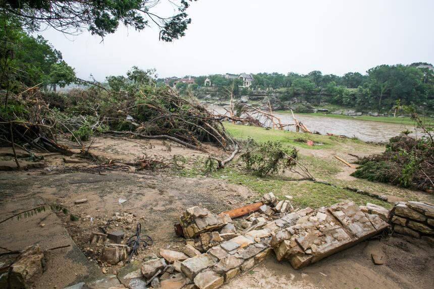 Algunas zonas de la ciudad quedaron bajo el agua luego de intensas lluvias.