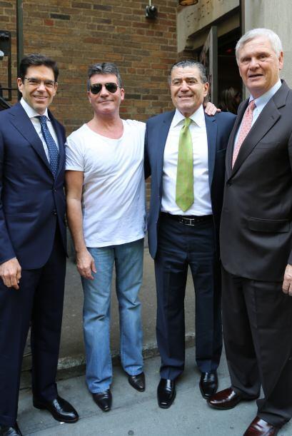 Cowell demostrará que para ser fuerte se tiene que hablar español y sin...