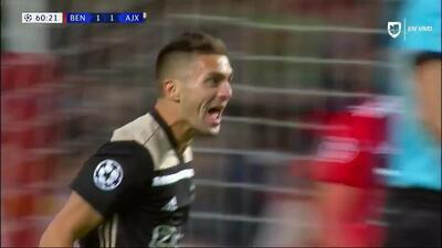 ¡GOOOL! Dusan Tadic anota para Ajax