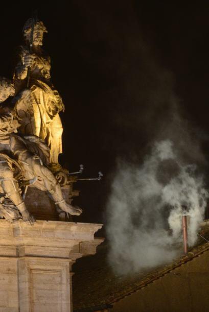 La abarrotada Plaza de San Pedro estalló en júbilo al ver la intensa col...