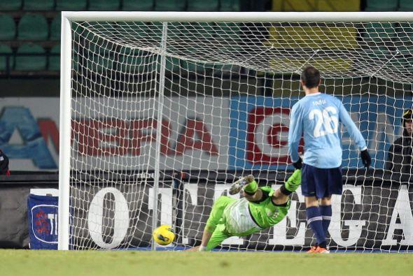 En el otro partido jugado el sábado, Siena sorprendió y goleó al Lazio p...