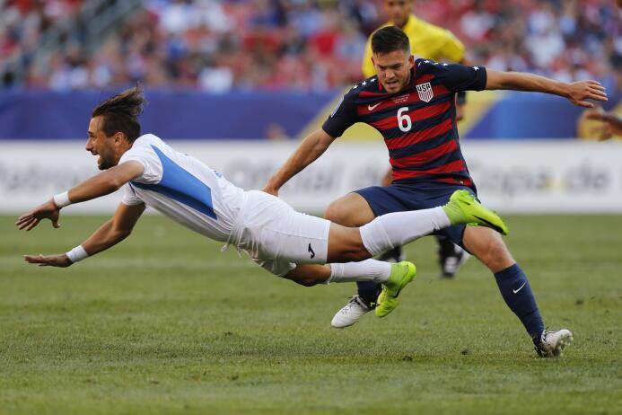 El Team USA le quitó el primer lugar del Grupo B a Panamá  GettyImages-8...
