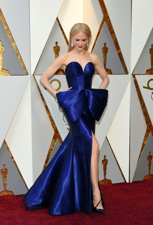 Nicole Kidman destacó entre las mejor vestidas con este modelo azul coba...