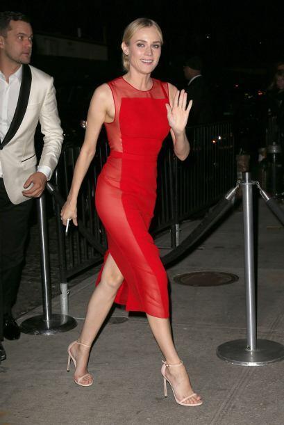 Diane Kruger cambió su vestido claro y largo por un sexy atuendo...