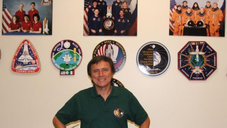 Es el segundo astronauta latinoamericano que viajó al espacio.