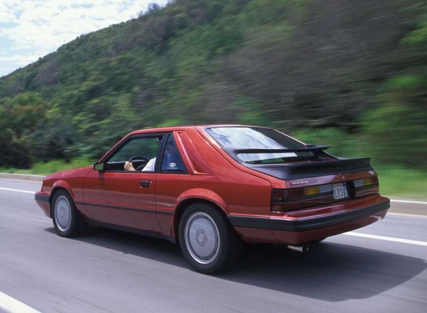 Medio siglo del Ford Mustang Fastback Ford-Mustang_SVO-1984-1280-01.jpg