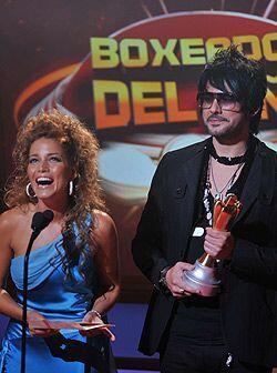 Adriana Fonseca estuvo al lado del cantante Beto Cuevas y presentaron al...