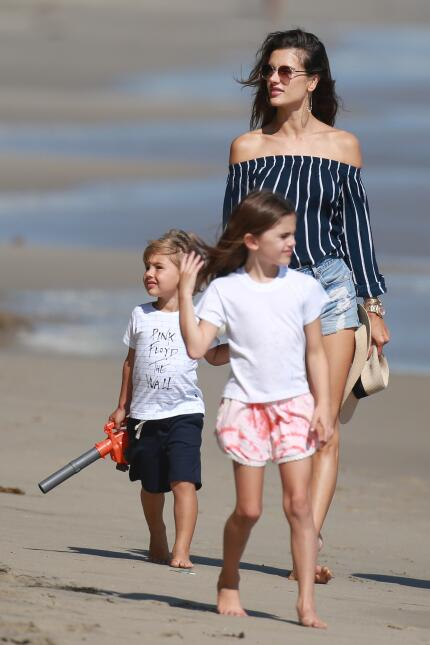 Alessandra Ambrosio is all smiles as she spends the afternoon with her k...