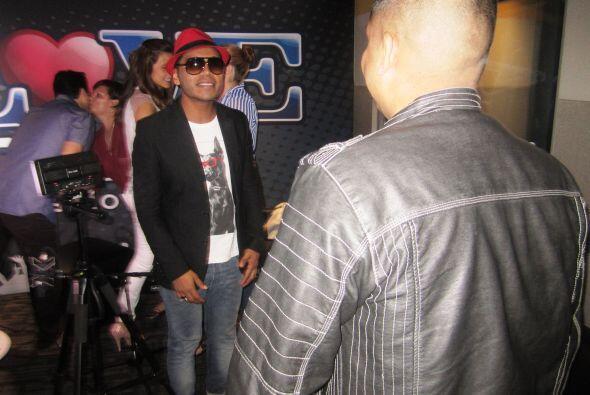 Omar y Argelia se tomaron Un Cafecito con Samo, ex- integrante del grupo...