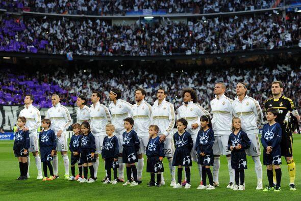 Real Madrid recibió al Bayern Múnich en el Santiago Bernabéu.