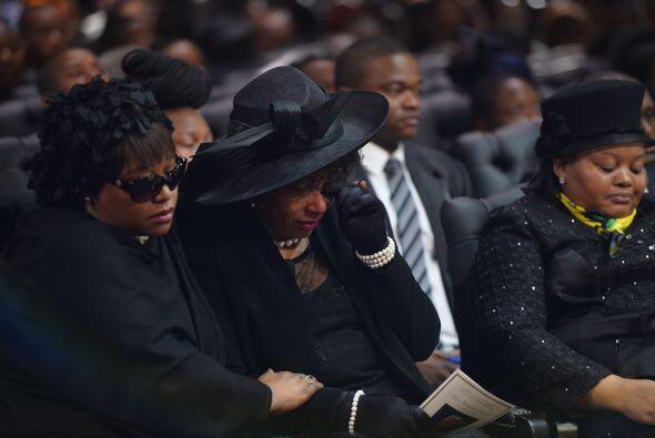 Zindzi, otra hija de Nelson Mandela, asistió al último adiós en honor al...