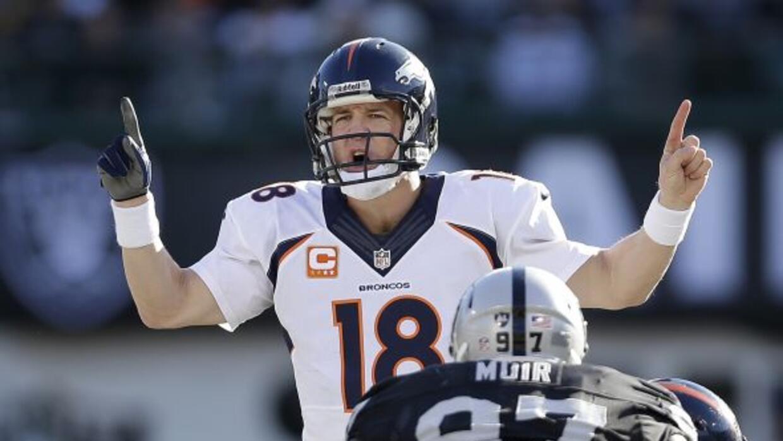 Peyton Manning posee los más venerables récords para pasadores en un año...