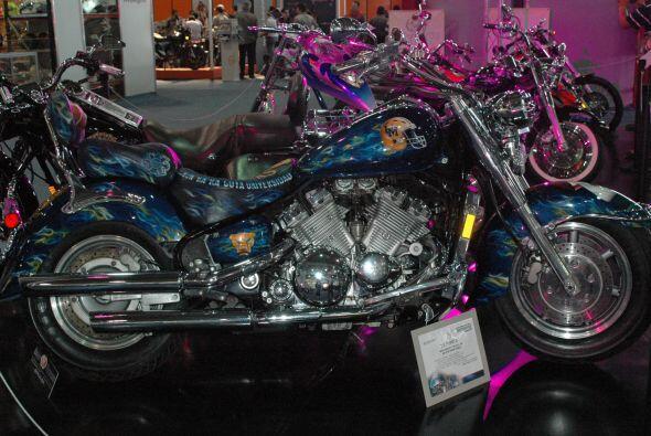 Las motos se convierten en un lienzo para mostrar los gustos y aficiones...