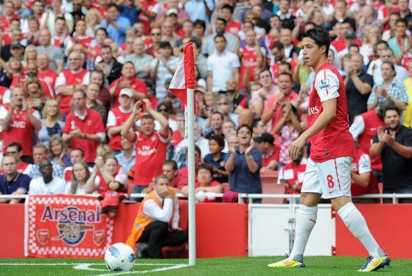 Nasri, pretendido por el Manchester City, participó del juego pero no br...
