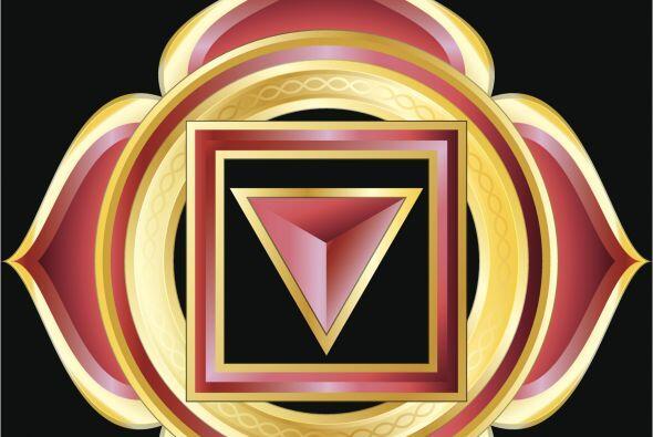 El chakra llamado Muladhara se encuentra en la base de la columna verteb...