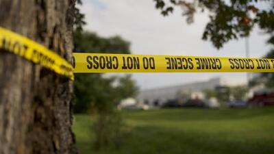 Macabro asesinato frente a centro comercial : ofrecen detalles sobre mujer asesinada a puñaladas